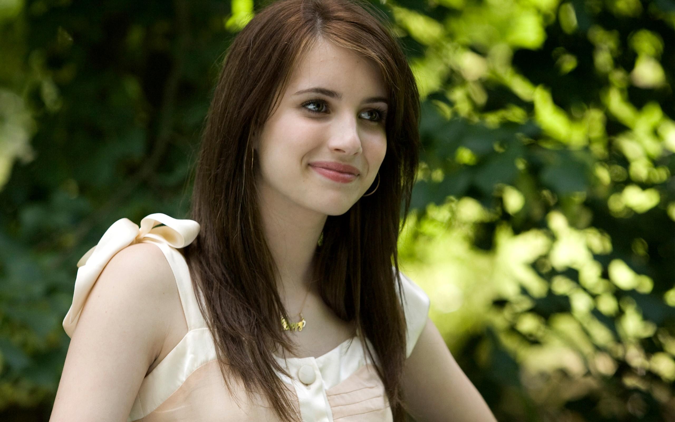 Emma Roberts Beautiful Girls   Download Foto, Gambar